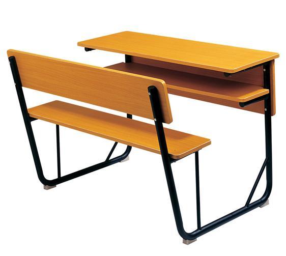 89. שולחן + ספסל מחובר ל - 2 תלמידים