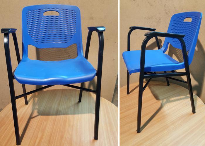 162. כסא מיוחד בגוונים עם חיזוק וידיות