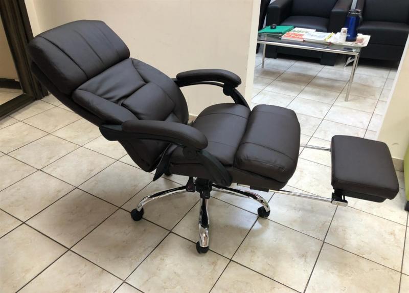 86.כסא מנהל עם אפשרות מנוחה