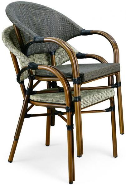 90. כיסאות לבית קפה
