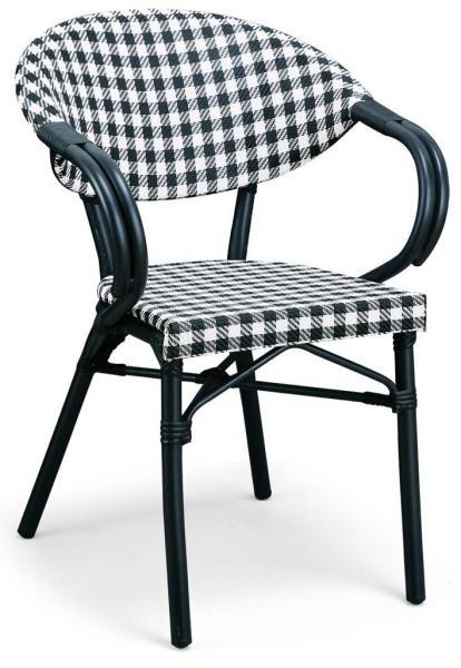 94. כיסא במבוק שחור לבן
