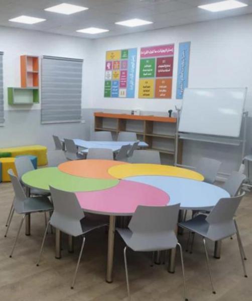 365. שולחן מניפה 5 צבעים