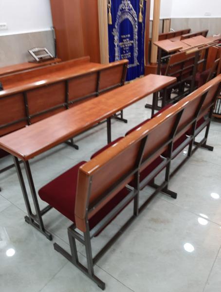 32. שולחן וספסל עם פלטות קנט מעץ בוק