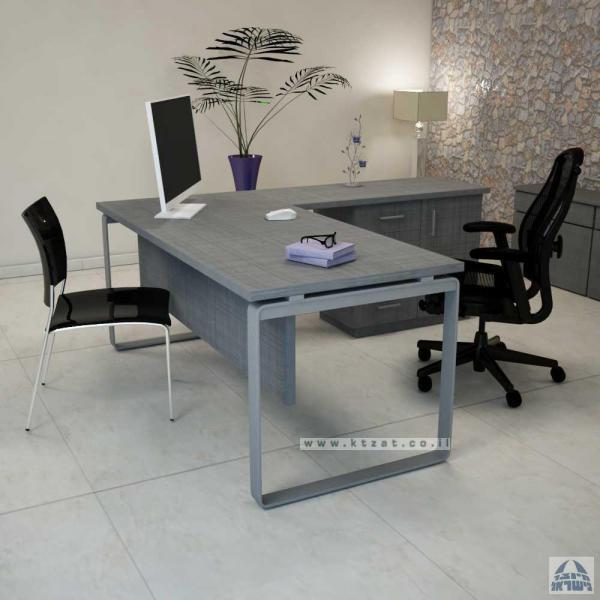 4. שולחן משרדי בשילוב עץ אפור